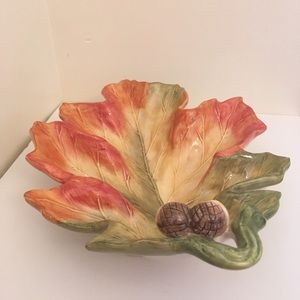 Accents - Acorn Leaf Decorative Dish